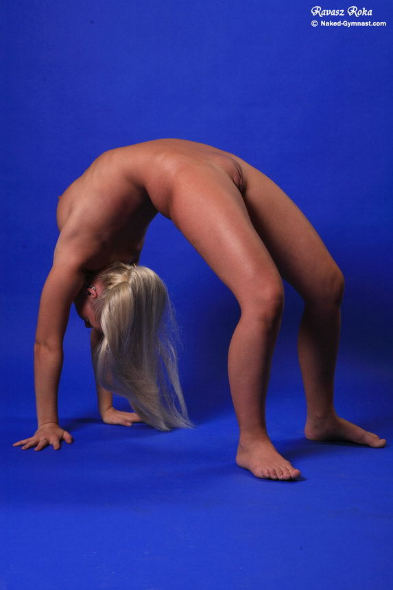 Video naked gymnast